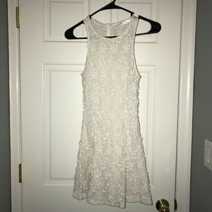 White lace thread dress